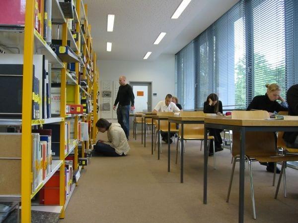 Becas del Ministerio de Educacion para las enseñanzas universitarias