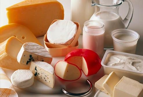 diferentes productos procedentes de la producción láctea