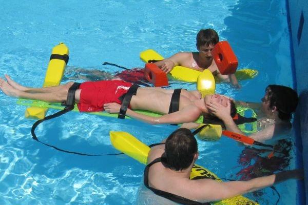 Cursos de socorrista de piscinas e instalaciones acuáticas
