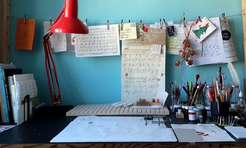 Estudio para aprender caligrafía artística