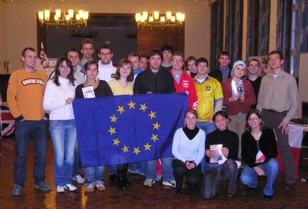 Becas-practicas-estudiantes-Unión-Europea
