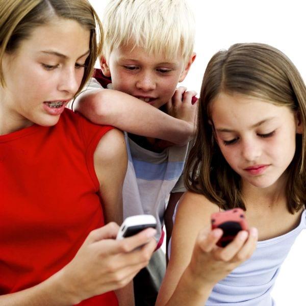 inculcar-buenos-habitos-de-uso-del-telefono-movil
