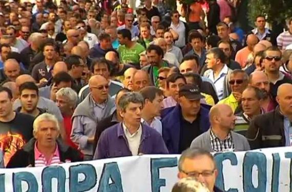 Manifestaci+¦n por el sector naval_570x375_scaled_cropp