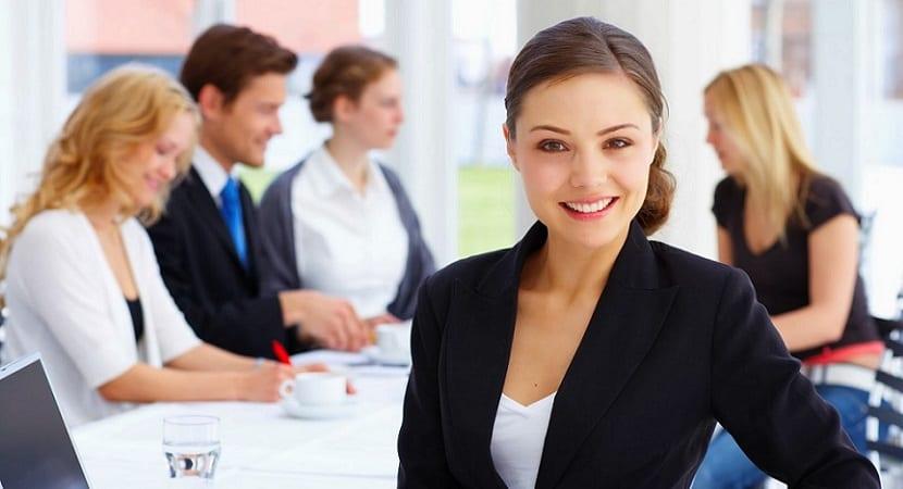 Becas para la realización de trabajos sobre comunicación institucional