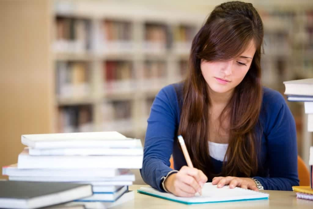 mujer estudio