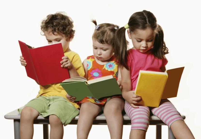 Resultado de imagen para niños aprendiendo a leer