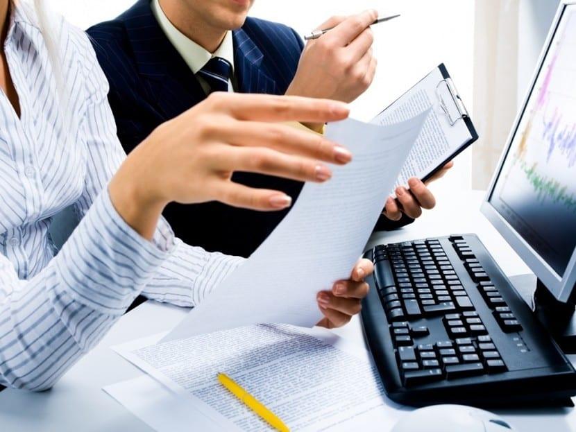 trabajar como administrativo