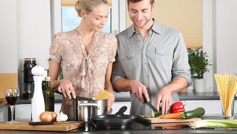 Cursos de cocina para disfrutar del tiempo libre con salud - Clases de cocina meetic ...