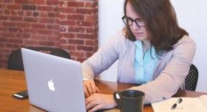 Cinco riesgos que tienes que evitar si trabajas desde casa