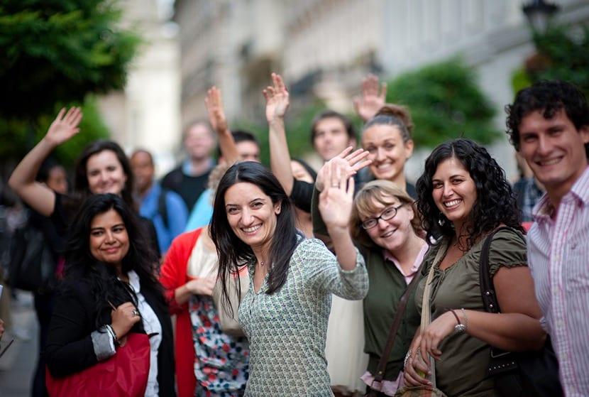 estudiantes contentos de bachillerato
