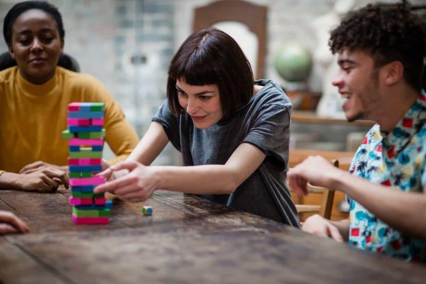 estudiantes mejorando sus habilidades sociales