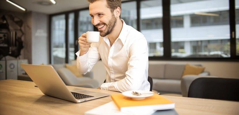 Cómo encontrar un trabajo compatible con los estudios