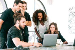 5 sectores para buscar trabajo si estudias Filosofía