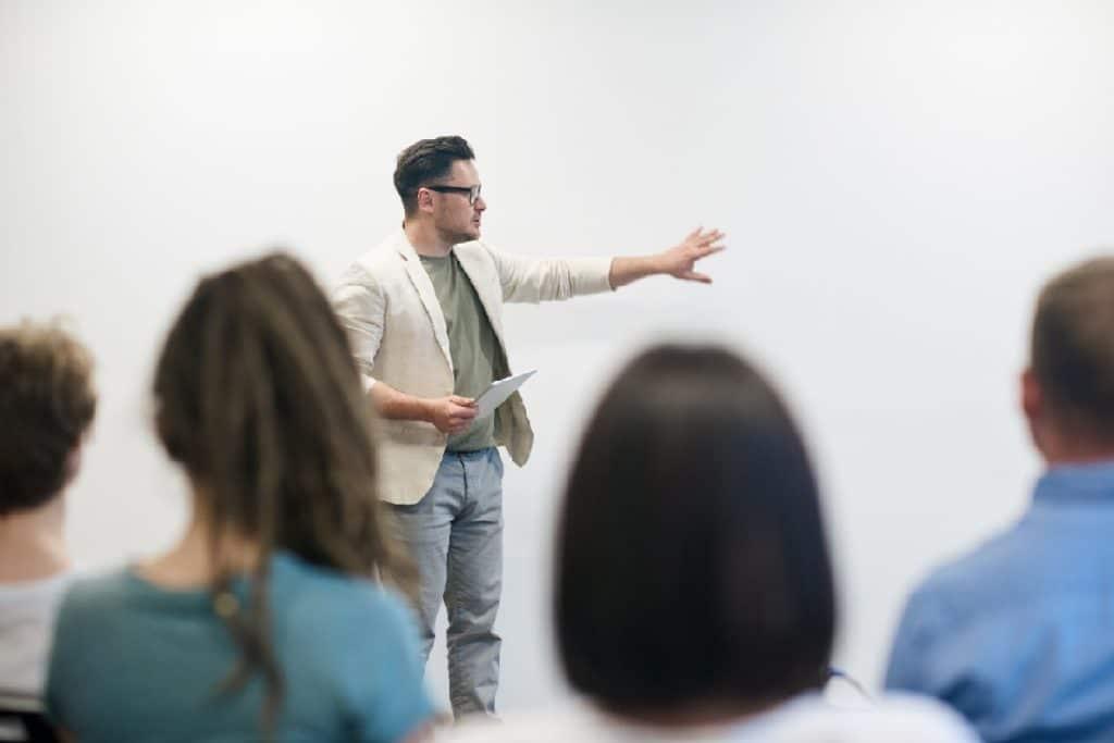Cinco beneficios del voluntariado para profesores