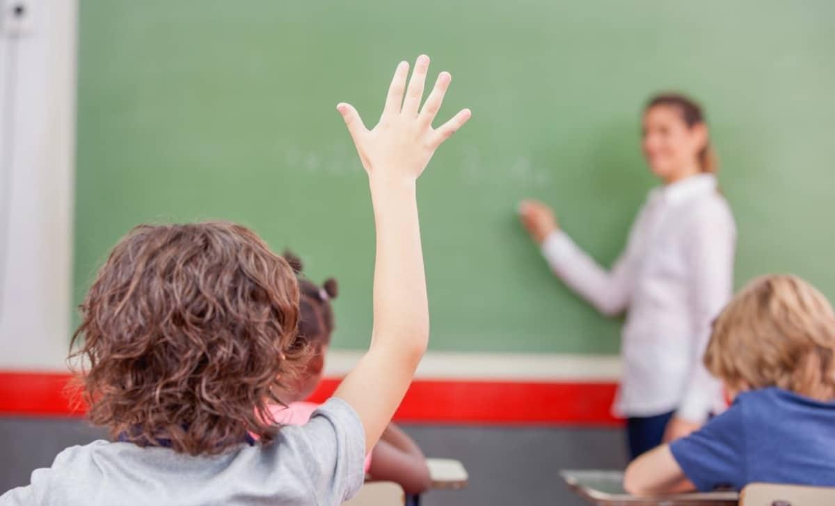 maestra en clase