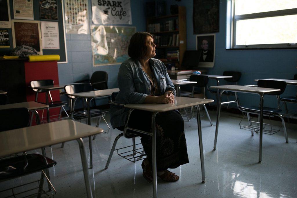 maestros solos en clase