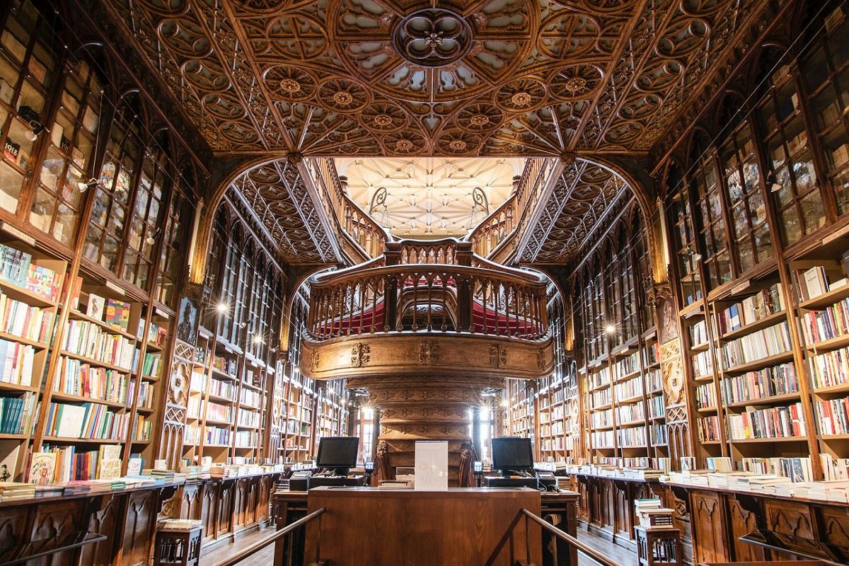 5 ventajas de trabajar como auxiliar de biblioteca