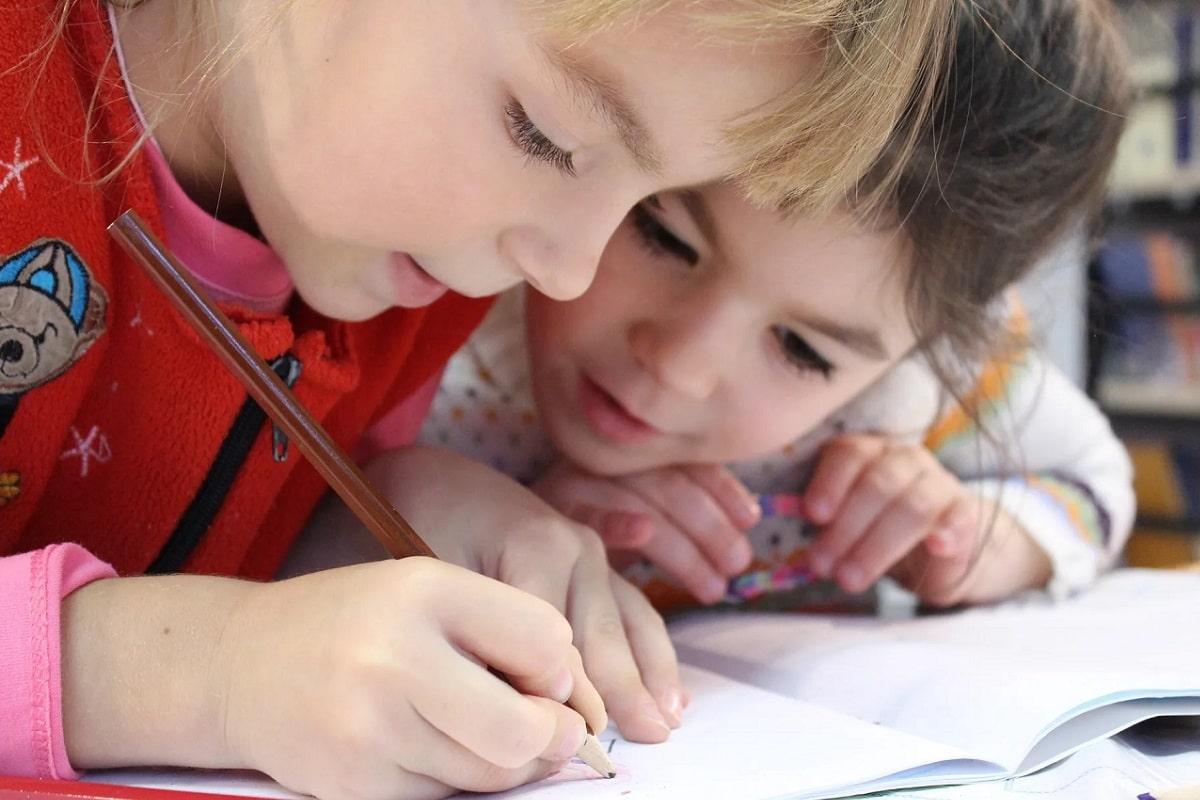 ¿Educación en casa o en el colegio?