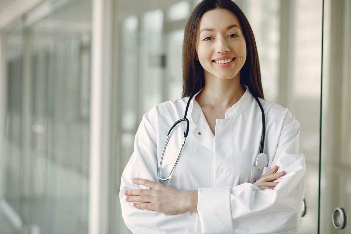 Qué es la telemedicina: ventajas e inconvenientes